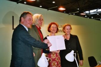 Verleihung des Kurt-Wolff-Preis an die Edition Nautilus 2004 in Leipzig